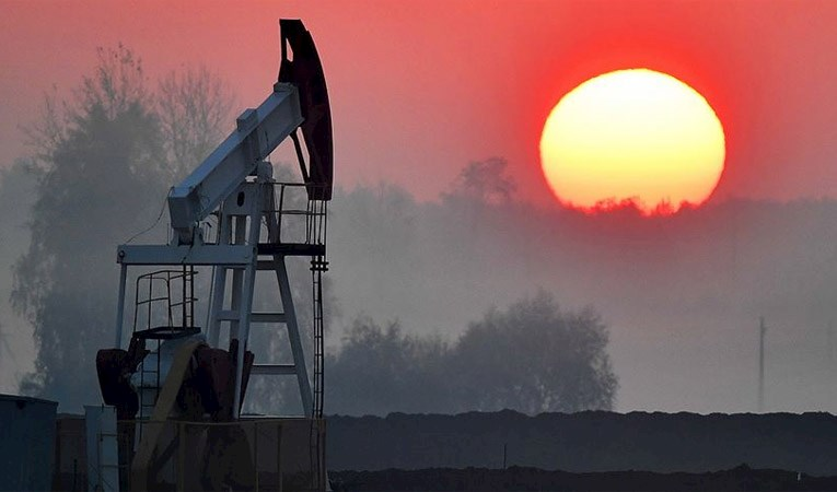 Brent petrolün varili 33,85 dolar