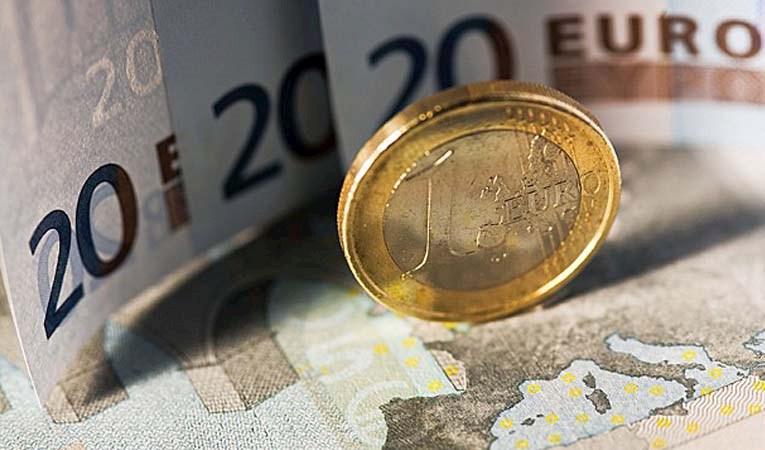 Euro tarihi seviyeyi gördü