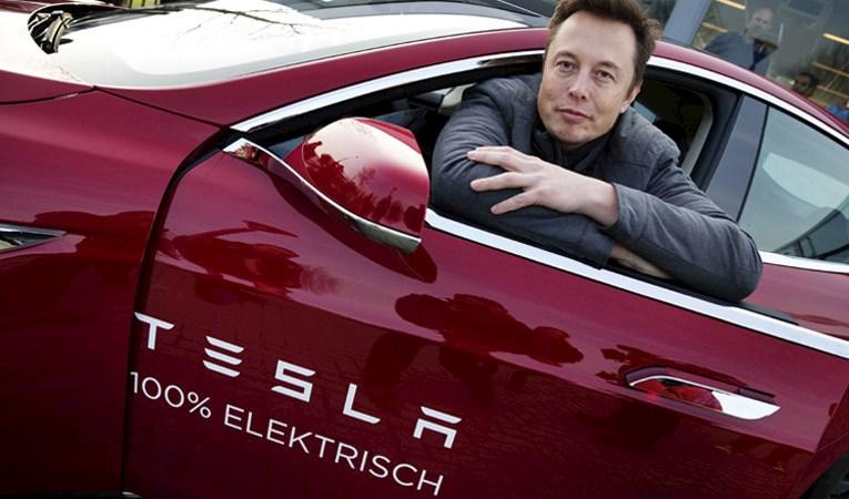 Tesla iki günde 19 milyar dolar değer kaybetti