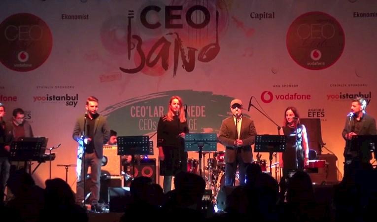 Nusret Apaydın CEO Band Sahnesinde