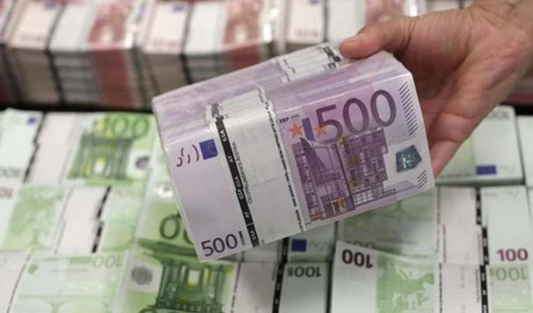 BİR YILDA 800 MİLYON EURO HAVALE