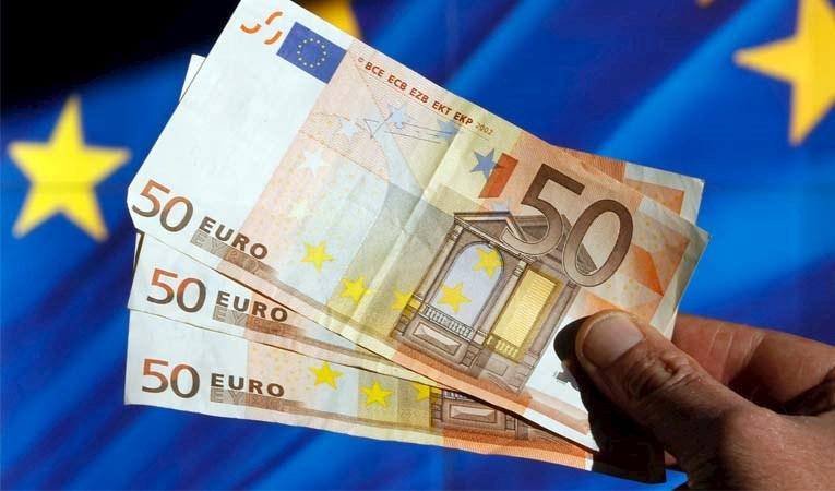 ECB tutanakları, pariteyi geriletti