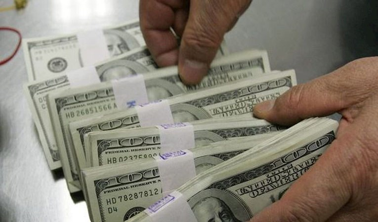 Döviz mevduatı 1.8 milyar dolar azaldı