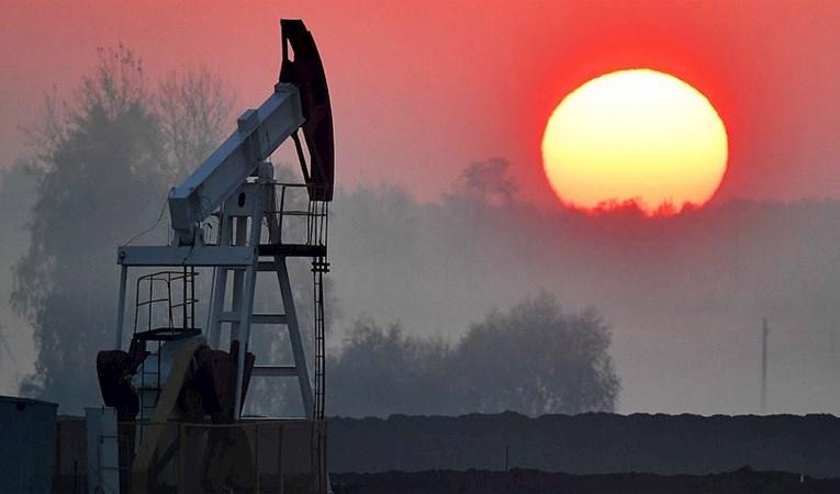 Rusya'nın petrol ihracatı gelirleri yüzde 40 azaldı