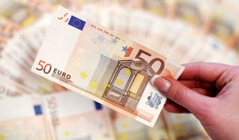 Avrupa ekonomileri ikinci çeyrekte virüsle daraldı