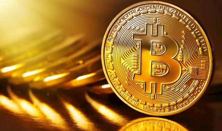 Bitcoin, Google'da altını geçti