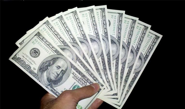 Dolar 'enflasyon' ile gevşedi