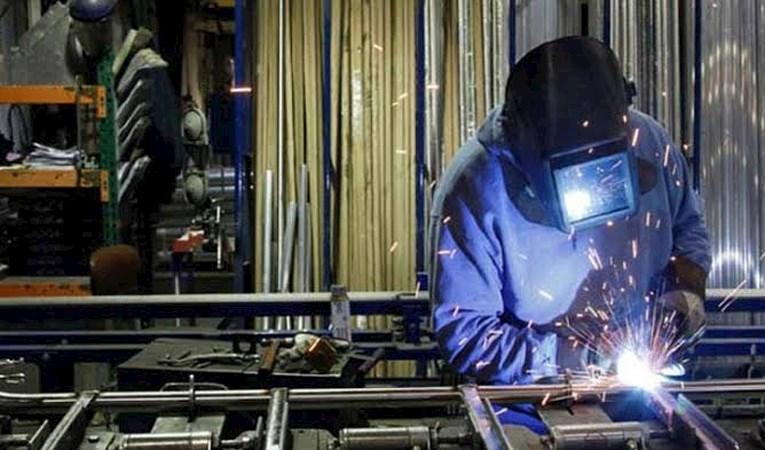 Kasım'da sanayi üretimi 5 arttı