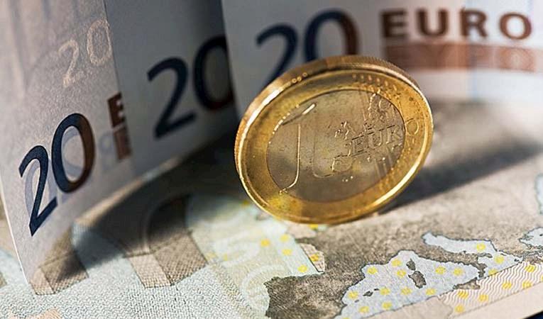 DOLAR 3,60 SINIRINDA, EURO REKOR KIRDI