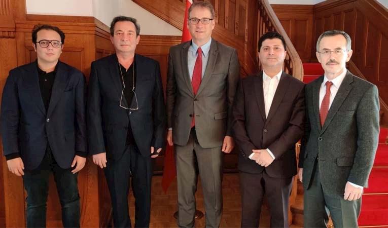 İsviçre Büyükelçisi IAS yönetimini ağırladı