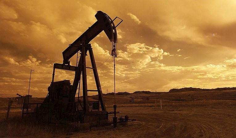 Petroldeki dalgalanma 13 yılın zirvesinde