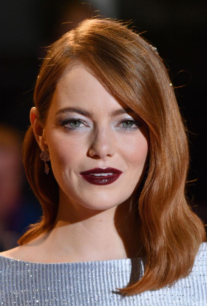 Emma Stone'un ışıltılı bakır saç modeli