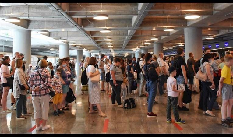 Antalya'ya son 1 haftada gelen Rus turist sayısı belli oldu