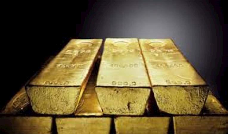 """Altın """"ticaret anlaşması"""" ile düşüşte"""