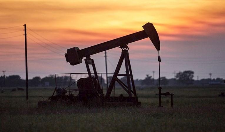 Brent petrolün varil fiyatında yüzde 4'e yakın artış