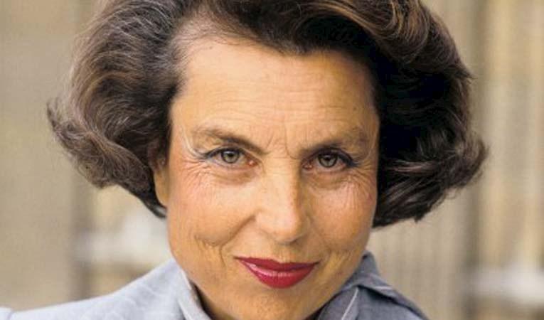 Dünyanın en zengin kadını öldü